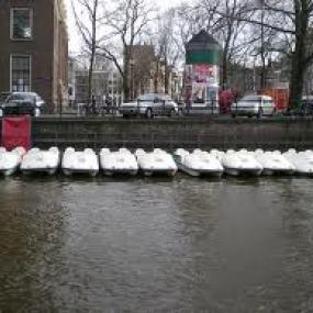 Rent a pedalo in Amsterdam